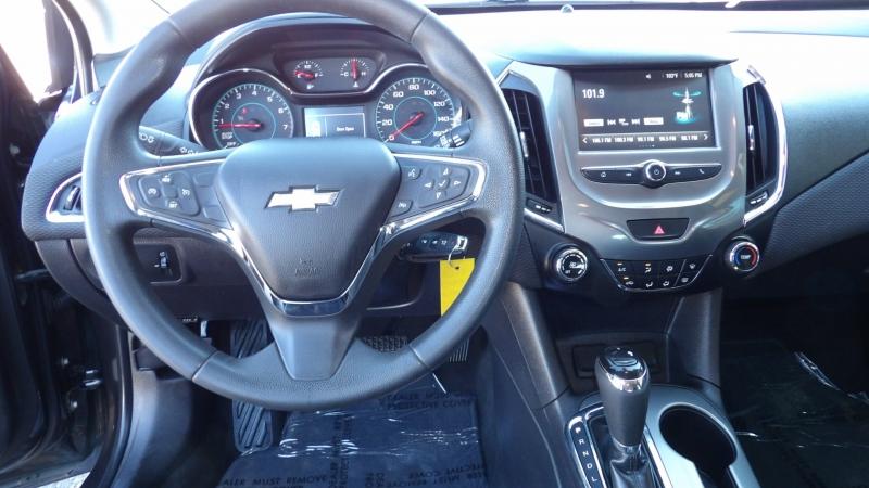 Chevrolet Cruze 2017 price $7,877