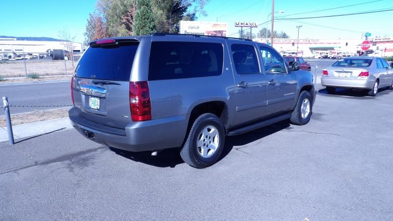 Chevrolet Suburban 2008 price $8,977