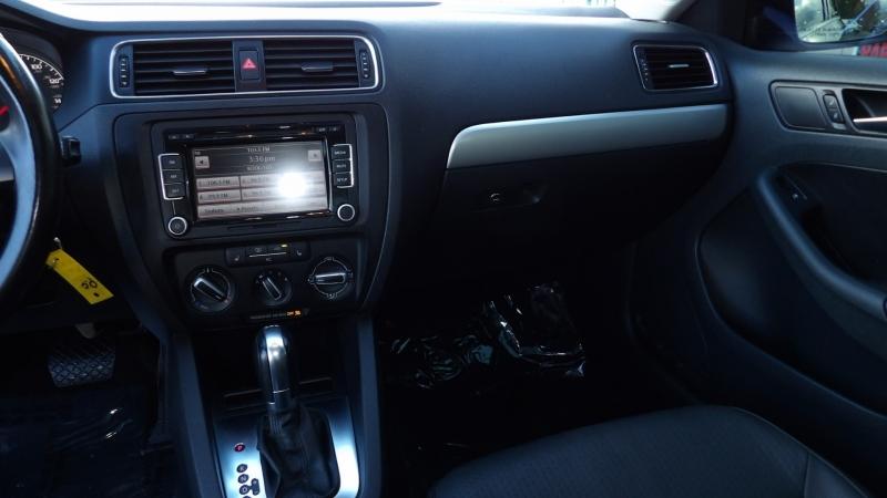 Volkswagen Jetta Sedan 2011 price $8,875
