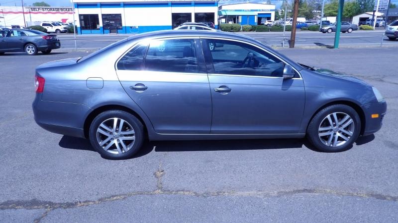 Volkswagen Jetta 2005 price $3,775 Cash