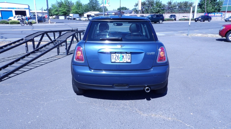 Mini Cooper Hardtop 2010 price $8,575