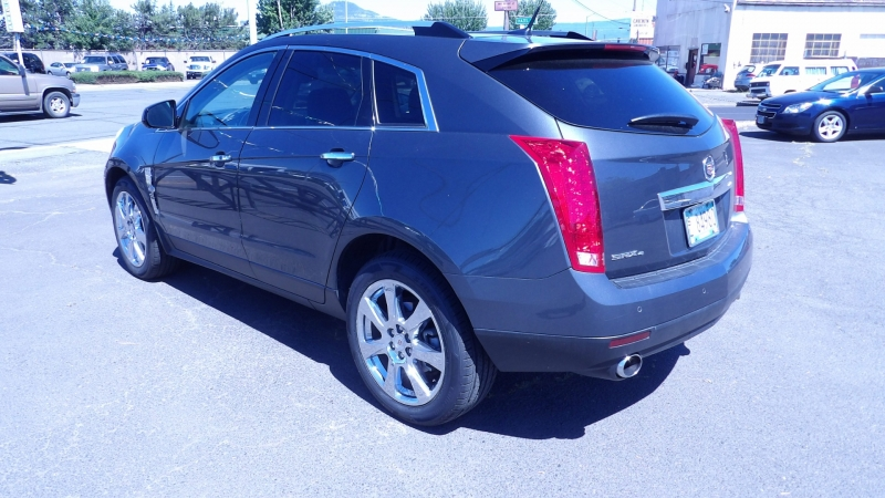 Cadillac SRX 2011 price $16,775
