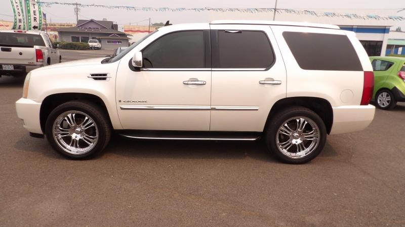 Cadillac Escalade 2007 price $15,475