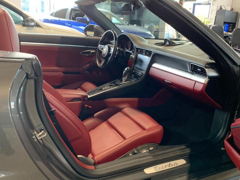 Porsche 911 2018 price $169,777