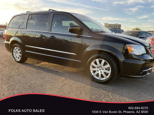 Chrysler Town & Country 2015 price $13,995