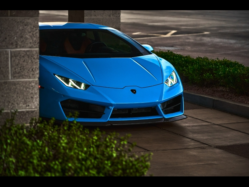 Lamborghini Huracan 2017 price $299,997