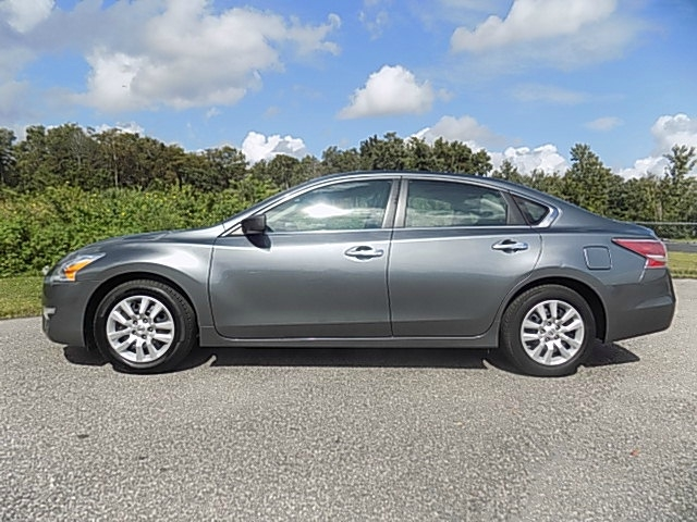 Nissan Altima 2015 price $9,500