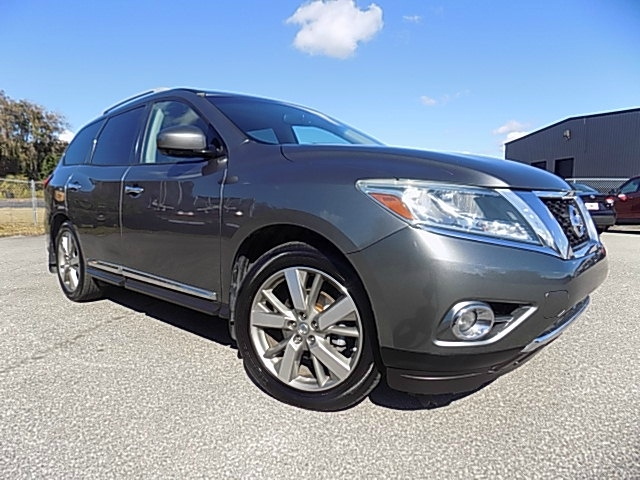 Nissan Pathfinder 2015 price $15,995