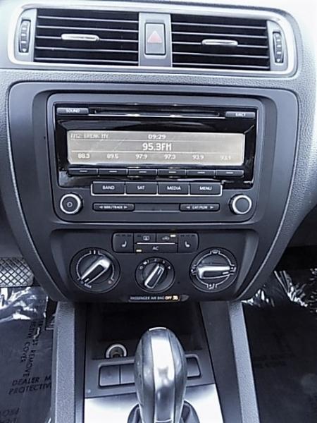 Volkswagen Jetta 2012 price $8,200