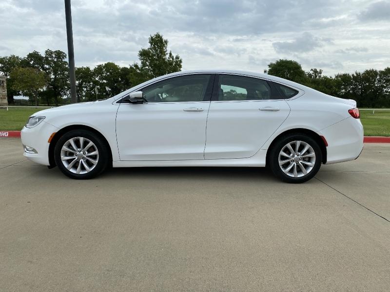Chrysler 200-Series 2015 price $10,995