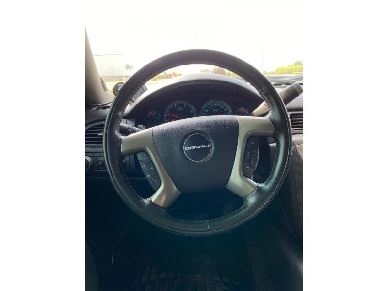 GMC Sierra 2500HD 2013 price $31,995