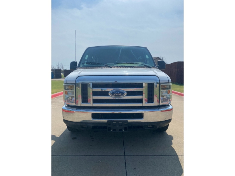 Ford Econoline Wagon 2011 price $14,500