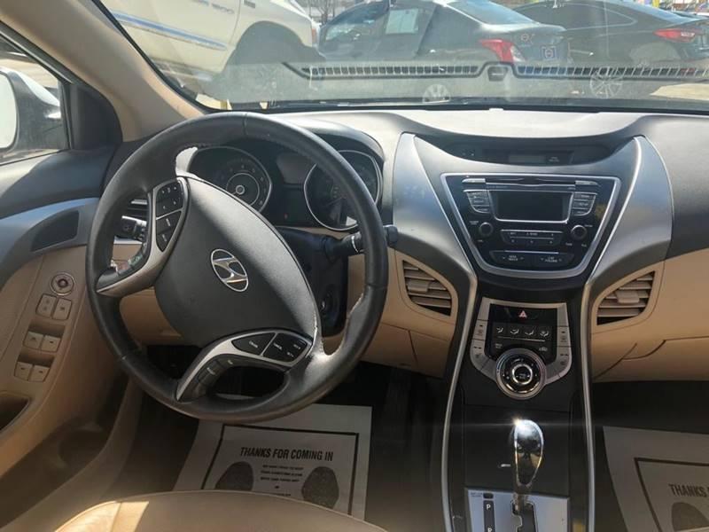 Hyundai Elantra 2013 price $995