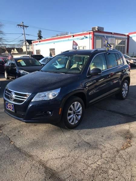 Volkswagen Tiguan 2011 price $1,500