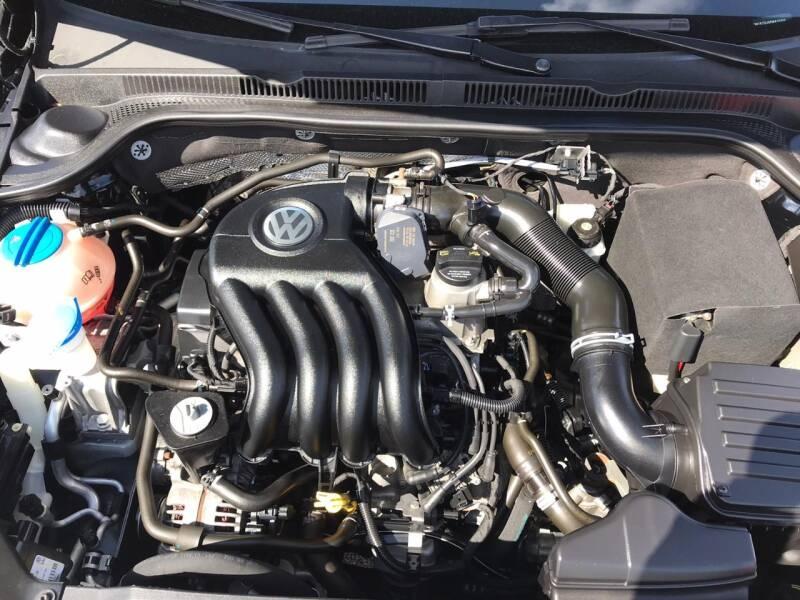 Volkswagen Jetta 2015 price $1,000