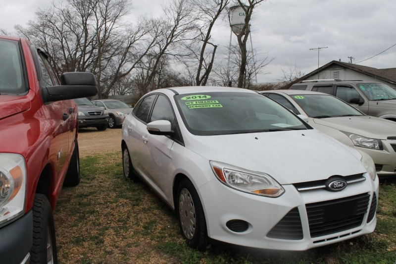 Ford Focus 2014 price $8,995