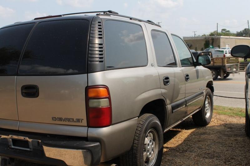 Chevrolet Tahoe 2001 price $3,850