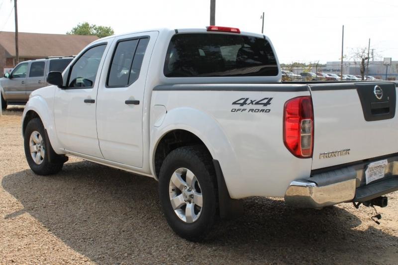 Nissan Frontier 2012 price $14,995