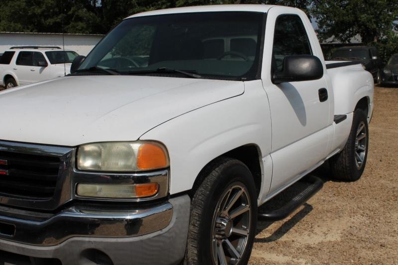 GMC Sierra 1500 2003 price $10,995