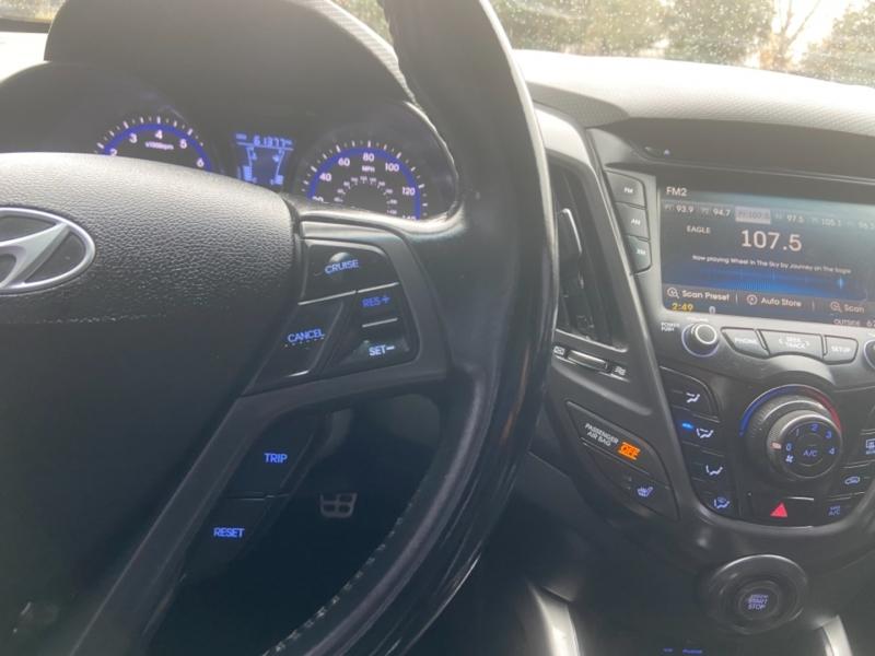 Hyundai Veloster 2015 price $10,495