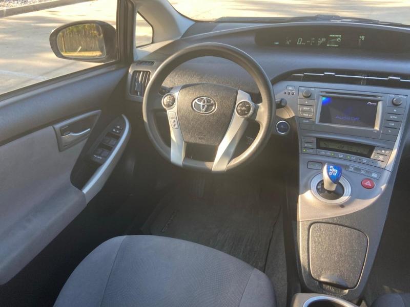 Toyota Prius 2013 price $8,495