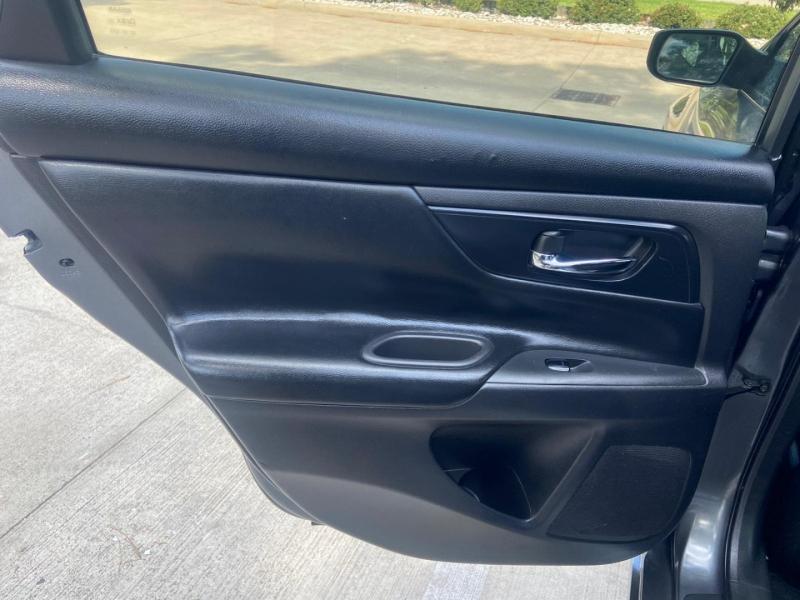 Nissan Altima 2017 price $9,995
