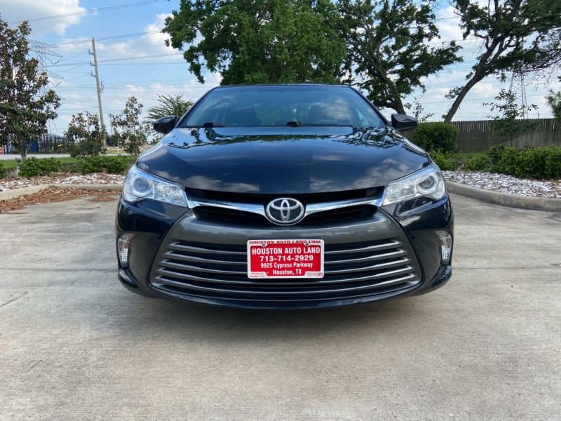 Toyota Camry 2016 price $18,495