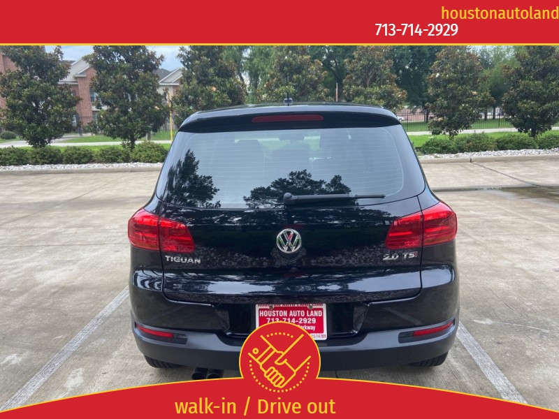 Volkswagen Tiguan 2014 price $10,995