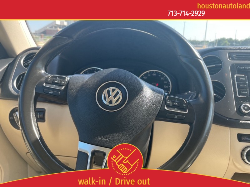 Volkswagen Tiguan 2013 price $12,495