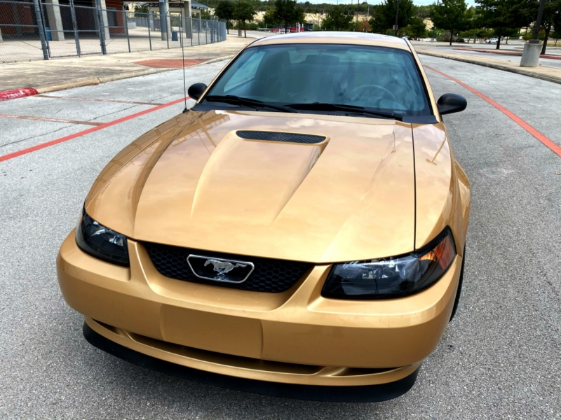 Ford Mustang 2000 price $14,997