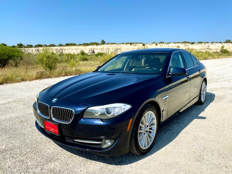 BMW 5-Series 2011 price $12,477
