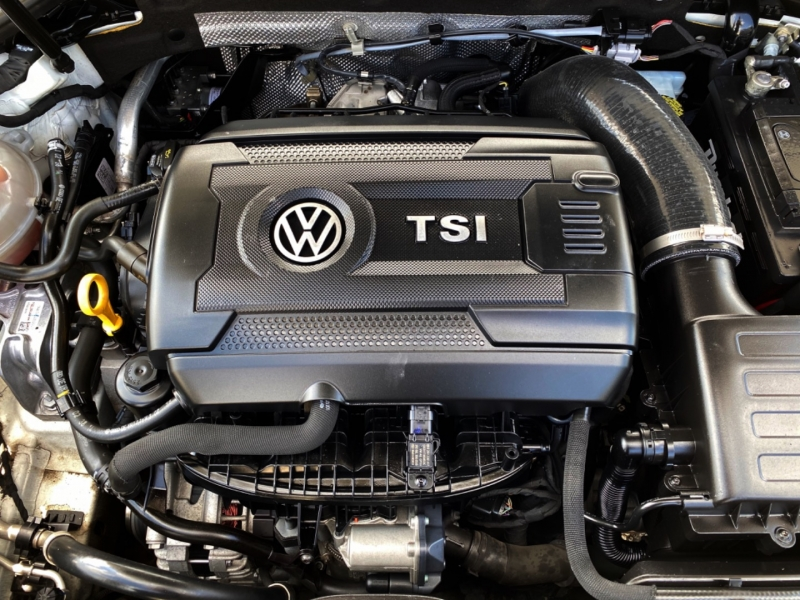 Volkswagen Golf GTI 2015 price $15,777