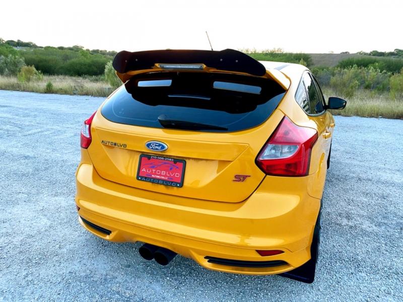 Ford Focus 2013 price $14,677