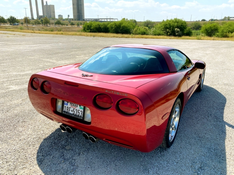 Chevrolet Corvette 2002 price $12,985