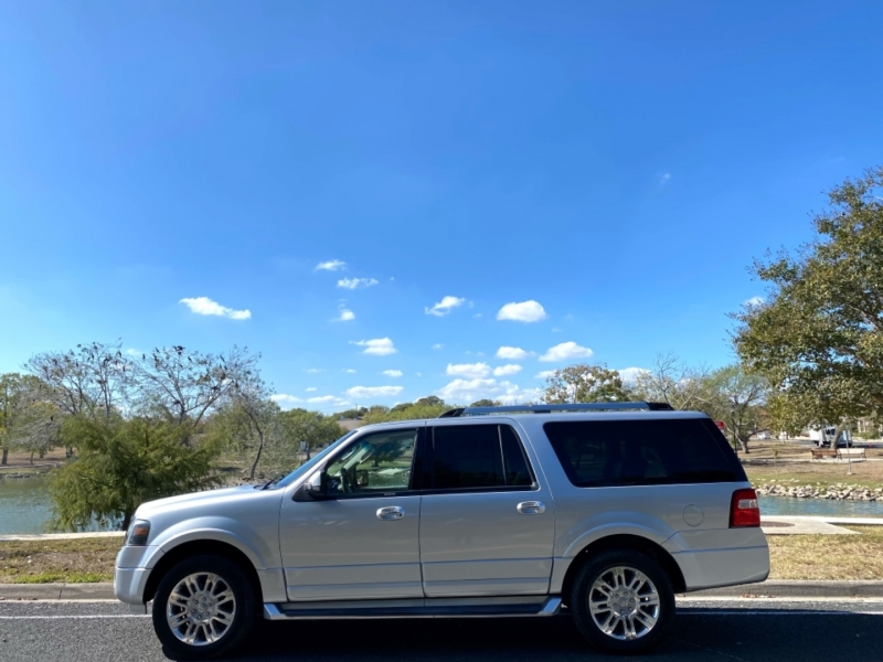 Ford Expedition EL 2011 price $11,997