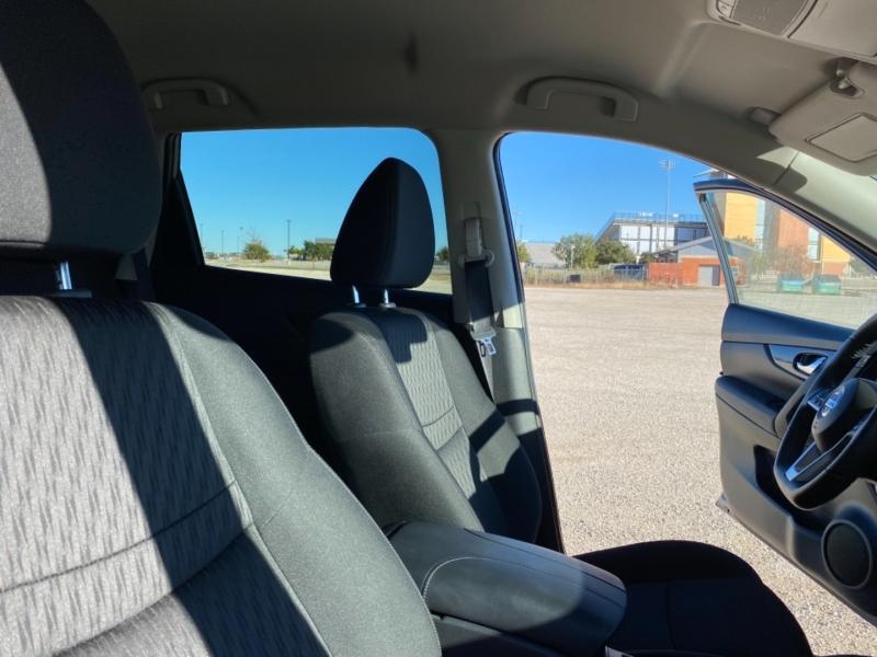 Nissan Rogue 2019 price $18,688