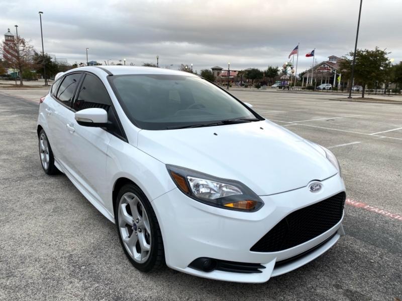 Ford Focus 2013 price $12,897
