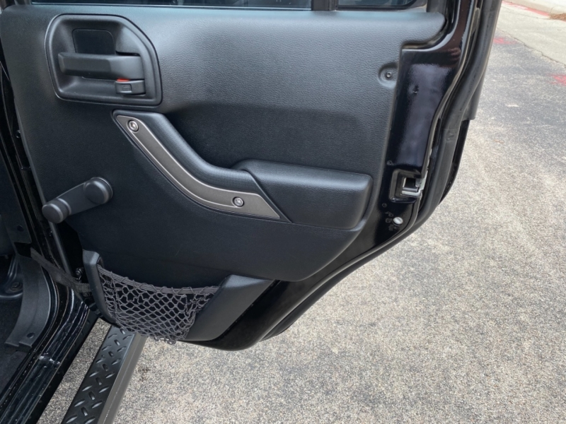 Jeep Wrangler Unlimited 2011 price $18,989