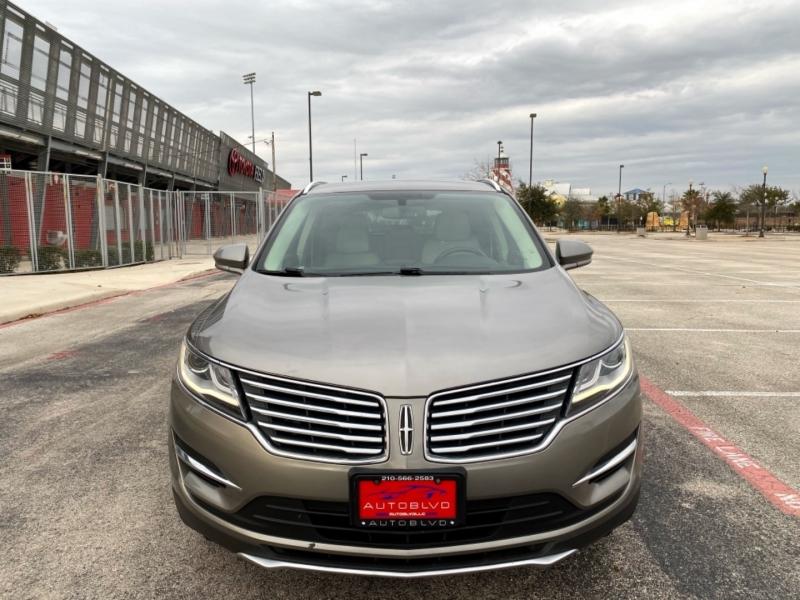Lincoln MKC 2017 price $12,998