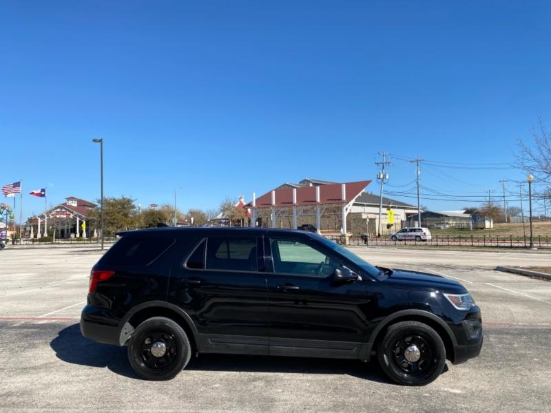 Ford Police Interceptor Utility 2017 price $16,487