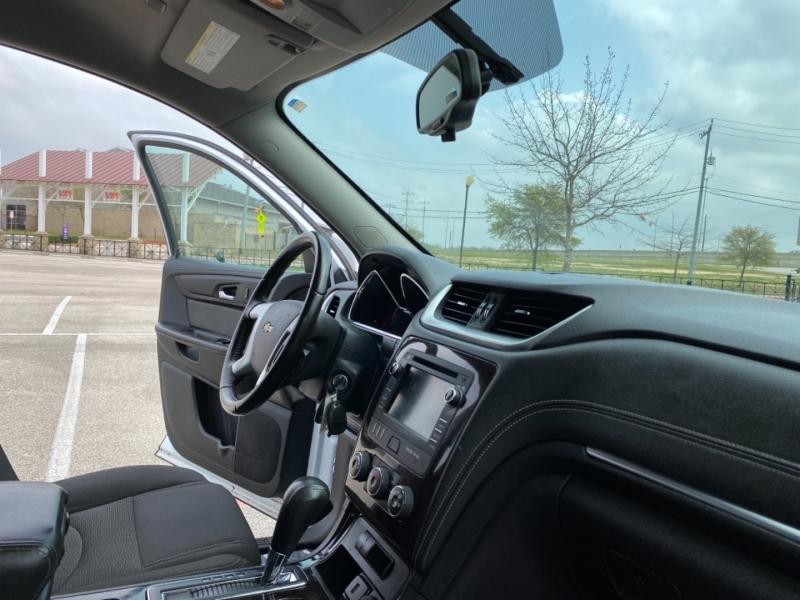 Chevrolet Traverse 2016 price $15,888