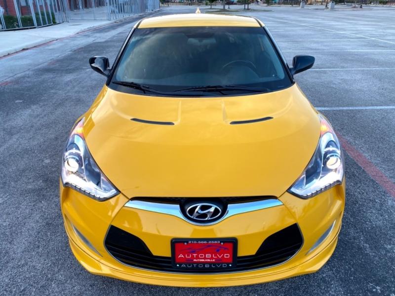 Hyundai Veloster 2013 price $10,997