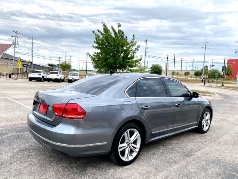 Volkswagen Passat 2014 price $12,987