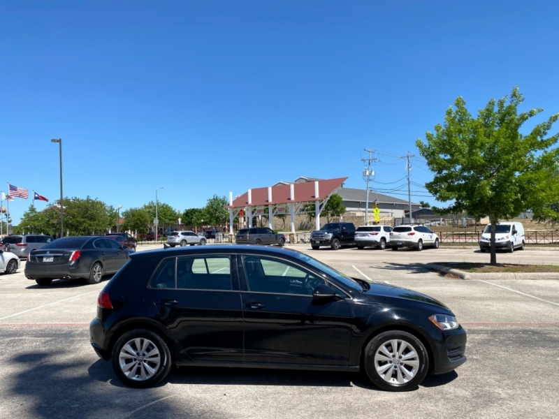 Volkswagen Golf 2015 price $9,998