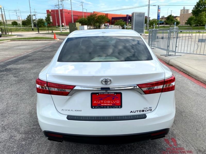 Toyota Avalon 2013 price $12,997