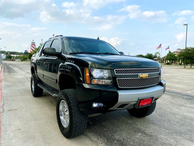 Chevrolet Avalanche 2013 price $20,997