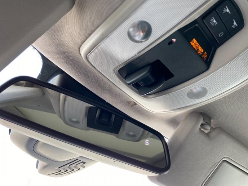 Volvo XC60 2015 price $14,456