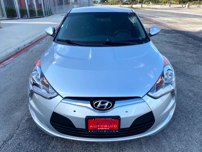 Hyundai Veloster 2017 price $12,997