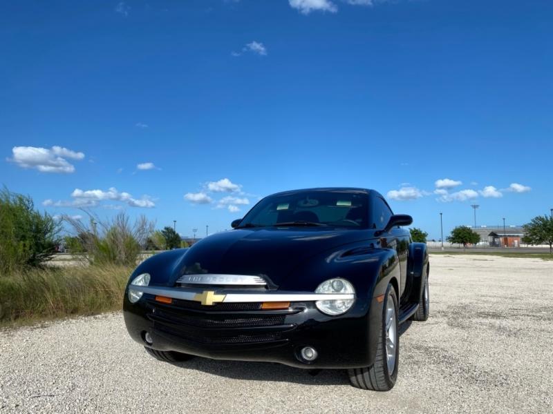 Chevrolet SSR 2004 price $20,888