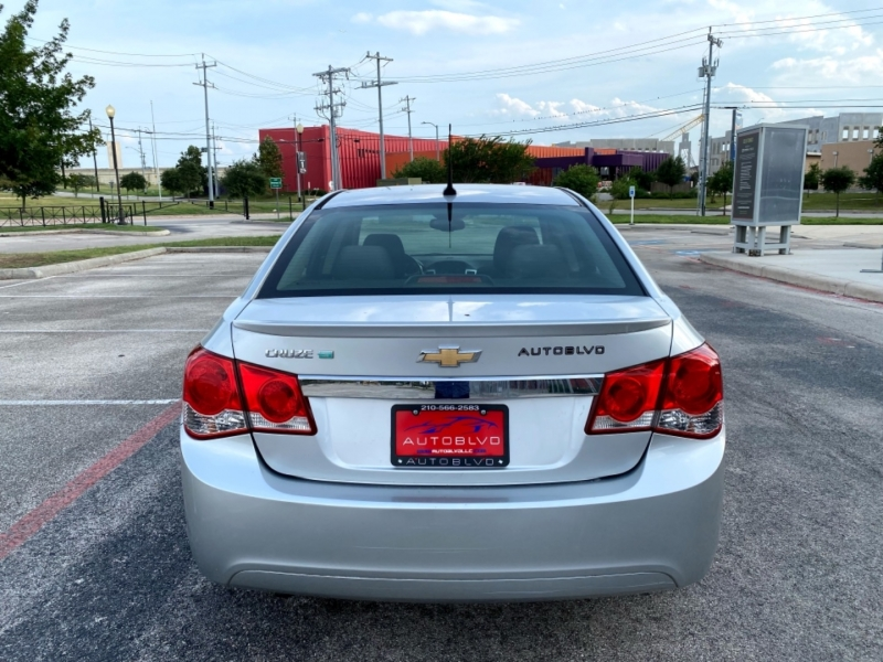Chevrolet Cruze 2012 price $8,300